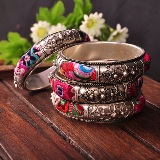 Oriental Folk Style China Miao Traditional Embroidery Exquisite Handmade Miao Silver Bracelet
