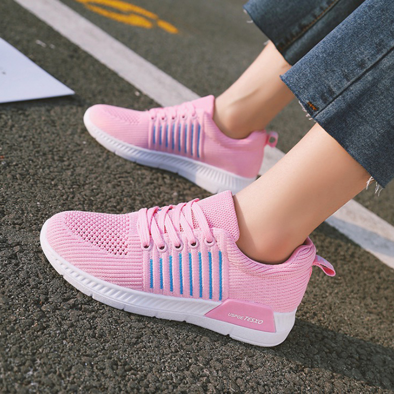 2018 Summer Sneakers Women Fashion Breathable Mesh Women Casual Shoes light Soft Flats Shoes Lace-Up Casual Women Shoes summer sandals women leather breathable mesh outdoor super light flats shoes all match casual shoes aa40140