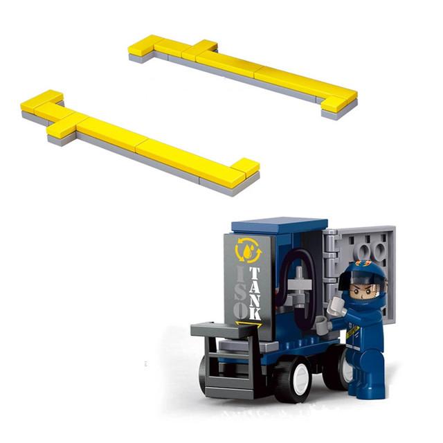 641pcs/set DIY Building Blocks Racing Car Transporter Truck Contruction Bricks