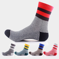 20 pairs / Pack ! Men's stripe basketball socks Autumn winter Outdoor Hiking socks original sports Men's Running Cycling socks