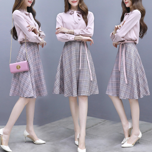 Dress Female 2019 Spring New Two-piece Set Korean Style Single Row Buttons Solid Fairy Skirt and Plaid with Belt Ruffle Skirt