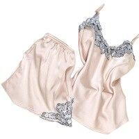 2017 Nieuwe Ontwerp Vrouwelijke Sexy V-hals Pyjama Set Top + Korte broek Twee Stukken vrouwen Nachtkleding Set Jong Meisje Zijde Satijn Thuis dragen