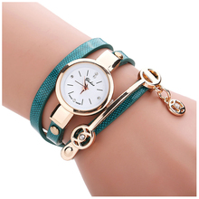 Women Metal Strap Watch Round Dial Quartz Wrap Wrist Watch Bracelet Watch Colour:Green