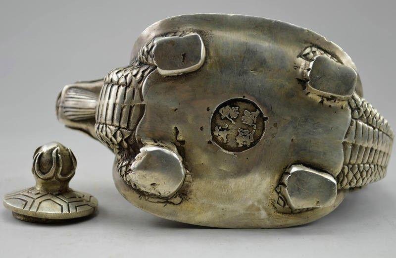 Théière en forme de Dragon sculpté en argent tibétain - 4