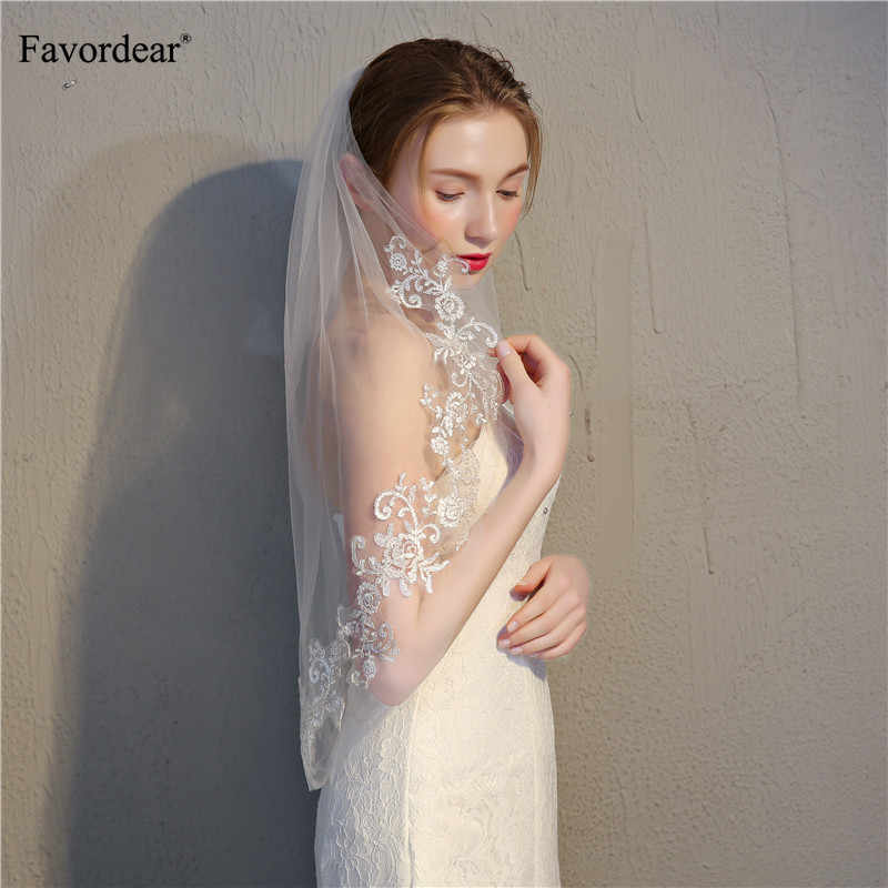 Favordear Simple Short 2 Layers Lace Edge Elbow Length Wedding Veil Ivory Soft Tulle Bridal Veil with Comb Wedding Accessories