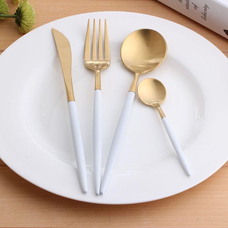 Couverts à dessin japonais quatre ensembles de nourriture occidentale en acier inoxydable, trois pièces de couteau à steak et fourchette