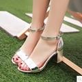 Tira sapatos de fivela calcanhar quadrado das mulheres sandálias da marca 2017 verão sandalia feminina de ouro e de prata do dedo do pé aberto tamanho máximo 43 42