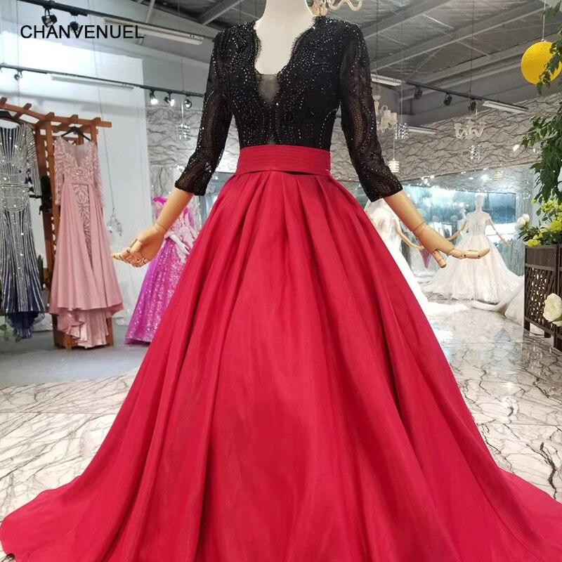 LSS072 pas cher rouge et noir simple mères de tenue de fête de mariage de la mariée encolure en v a-ligne satin robe de soirée avec le train de brosse