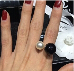 New Arrival 2017 Fashion High quality ring Elegant Colored Double Pearls Ring Lovey Glory asymmetry Pearl E-shine Jewelry T2025
