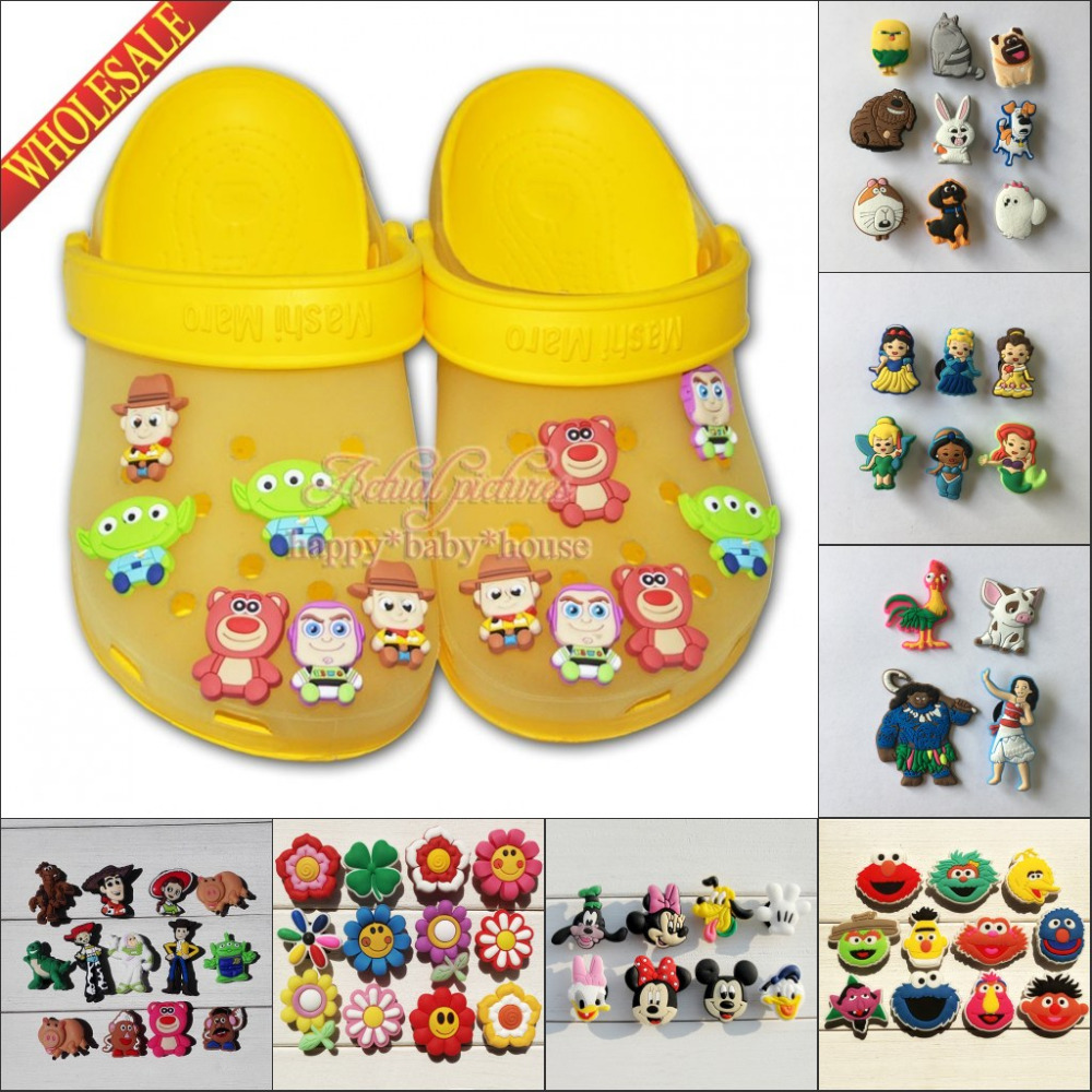 Free DHL 10000PCS Mixed Cartoon Avengers Mickey Super Mario PVC Shoe Charms Shoes Accessories Decoractions Fit