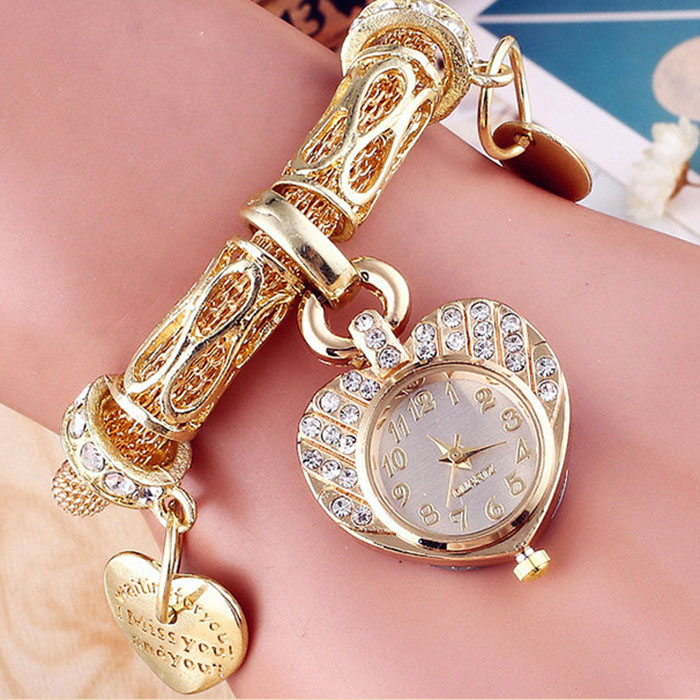 2017 Quartz Watch for Girl Gift Love Heart Women Fashion Watches Diamond Bracelet Student Watches for Teenager relogio feminino diamond stylish watches for girls