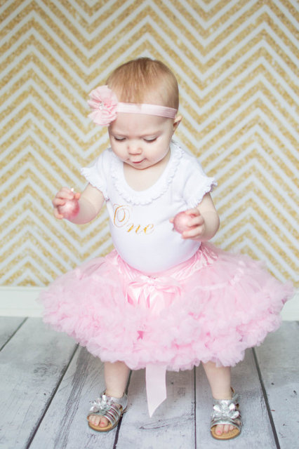 baby Pettiskirt,Girls Tutu,Girls First birthday Outfit,Hot Pink Skirt,Newborn Photo Prop,Baby Valentines Day Outfit