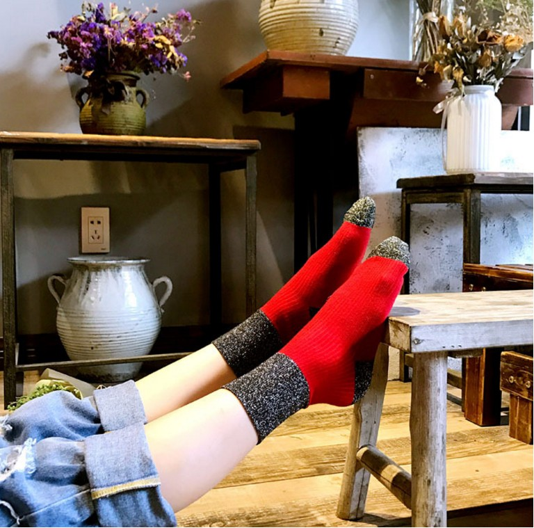 2018 New 1 Pair Hot Sale 6 colors Shiny Long Socks Autumn and Spring New Fashion Glitter silver Flanging Wild In Tube Socks