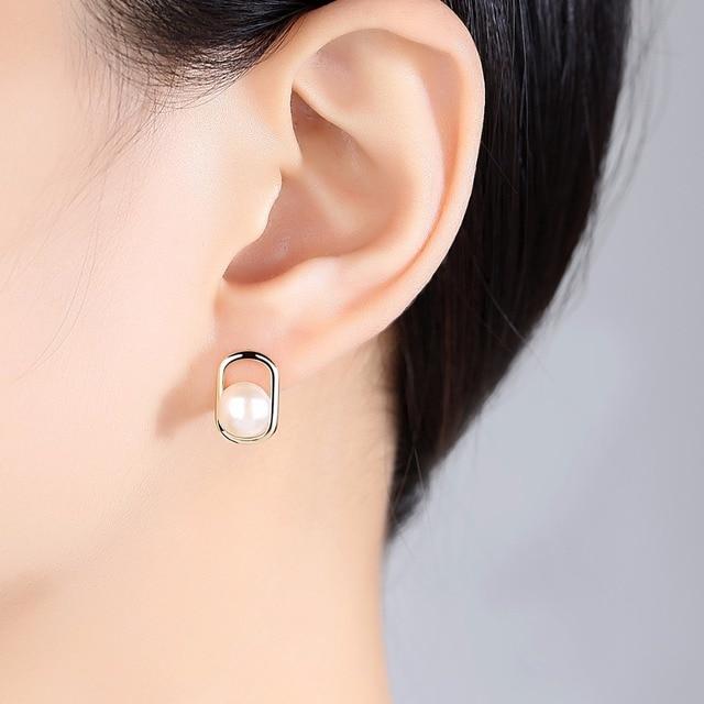 PAG & MAG Marca Simple & Elegant 925 sterling silver stud orecchini con perla d'acqua dolce Naturale 2 colori Bel regalo di compleanno regalo