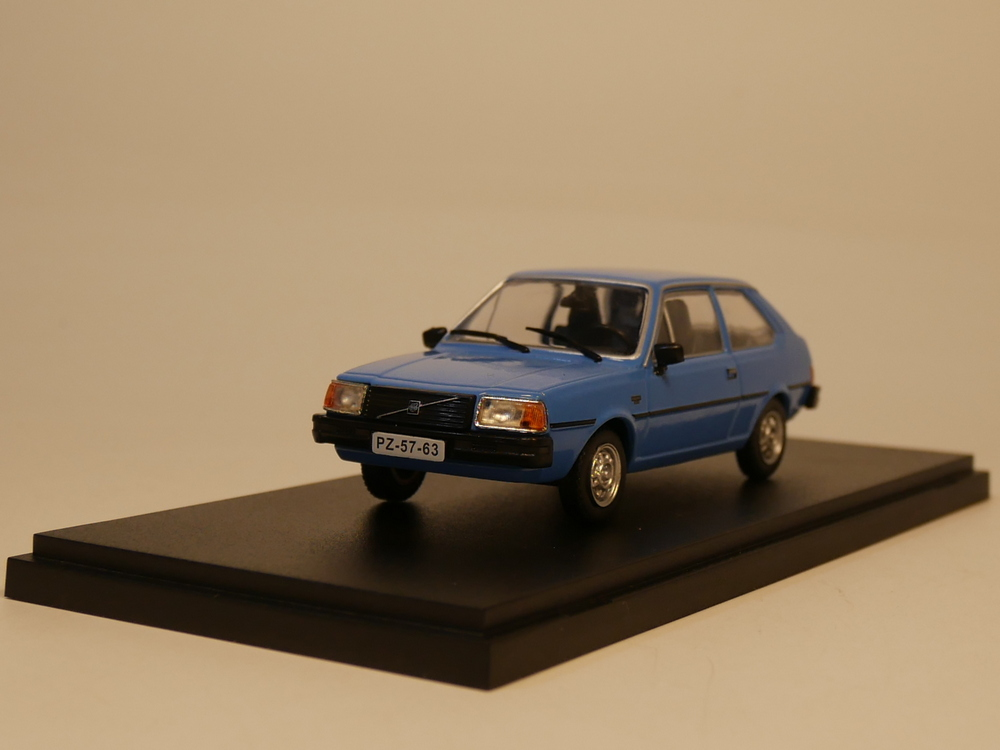 IST 1:43 Volvo 343 Diecast Model Car