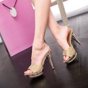 Image 1 - 2019夏の女性pvcクリスタル高薄ハイヒール11.5センチメートルミュールプラットフォーム外の女性のスリッパセクシーな女性の靴のサンダル