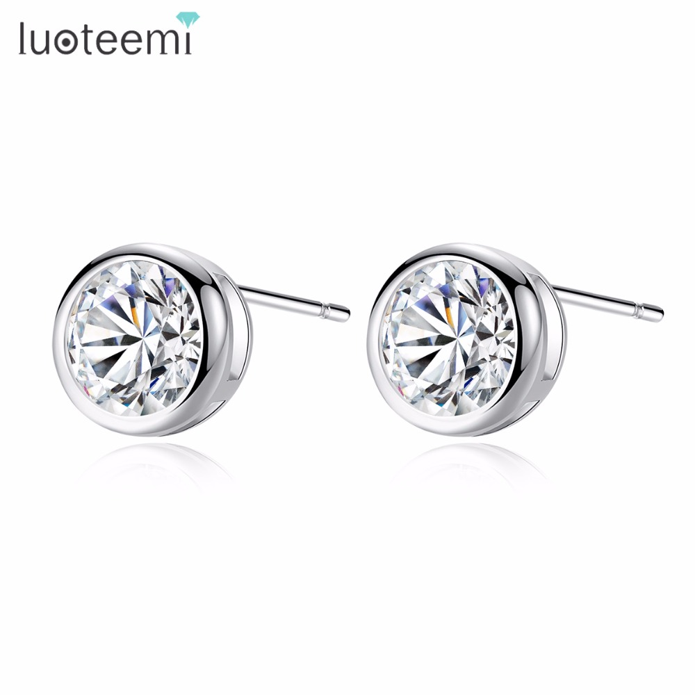 LUOTEEMI Hot Sale Classic Overlaid with 1 Carat Hearts& Arrows Round Zirconia Stud Earrings White Gold-Color Factory Wholesale