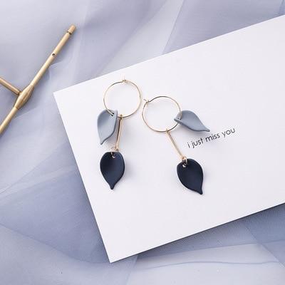 AOMU coréen bleu géométrique acrylique irrégulière cercle creux carré balancent des boucles d'oreilles pour les femmes en métal bosse fête plage bijoux 12