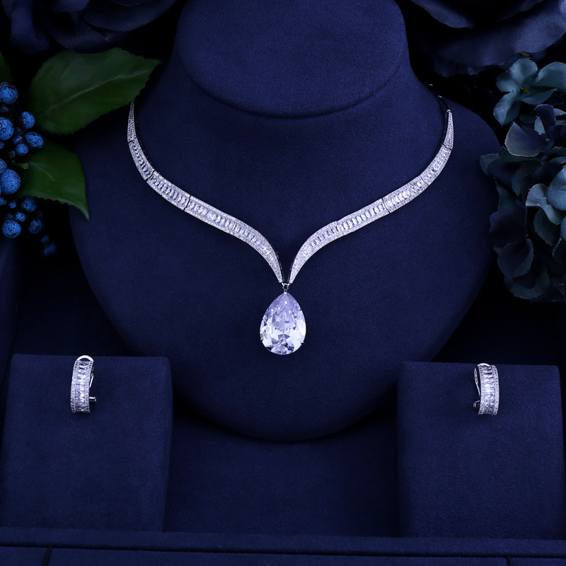 Luxury brilliant cubic zirconia Clear zirconia flower and cirrus fashion style wedding bridal earring necklace jewelry set