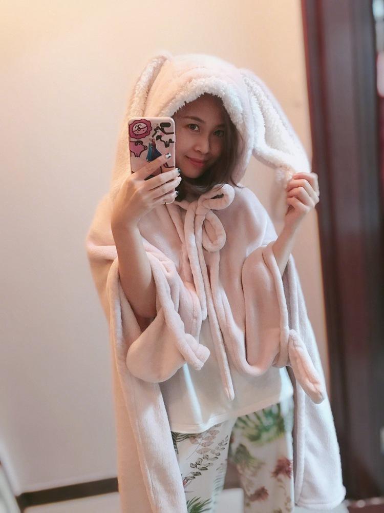 Cute Pink Comfy Blanket Sweatshirt Winter Warm Adults and Children Rabbit Ear Hooded Fleece Blanket Sleepwear Huge Bed Blankets 35