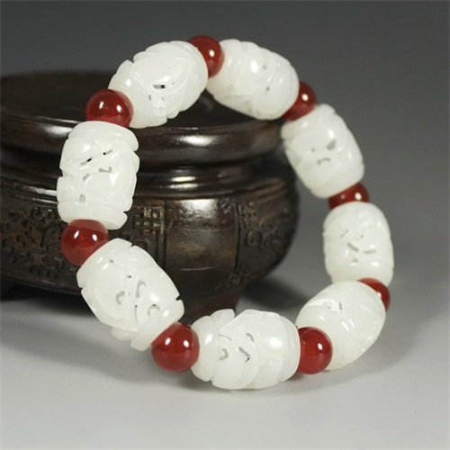 Xinjiang hetian stone hollow out fine natural bracelet sent certificate package mail box