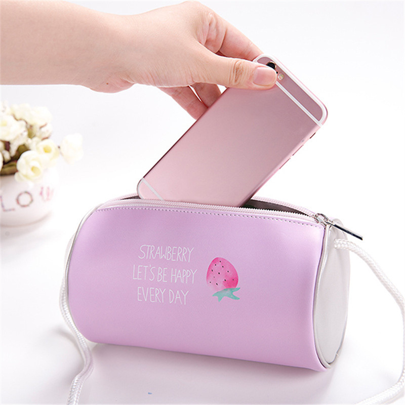 PU Strawberry Travel Shoulder Bag Cosmetic Bag Cute Makeup Bags Pouch Portable Waterproof Tote Storage Phone Keys Cash 18*10cm