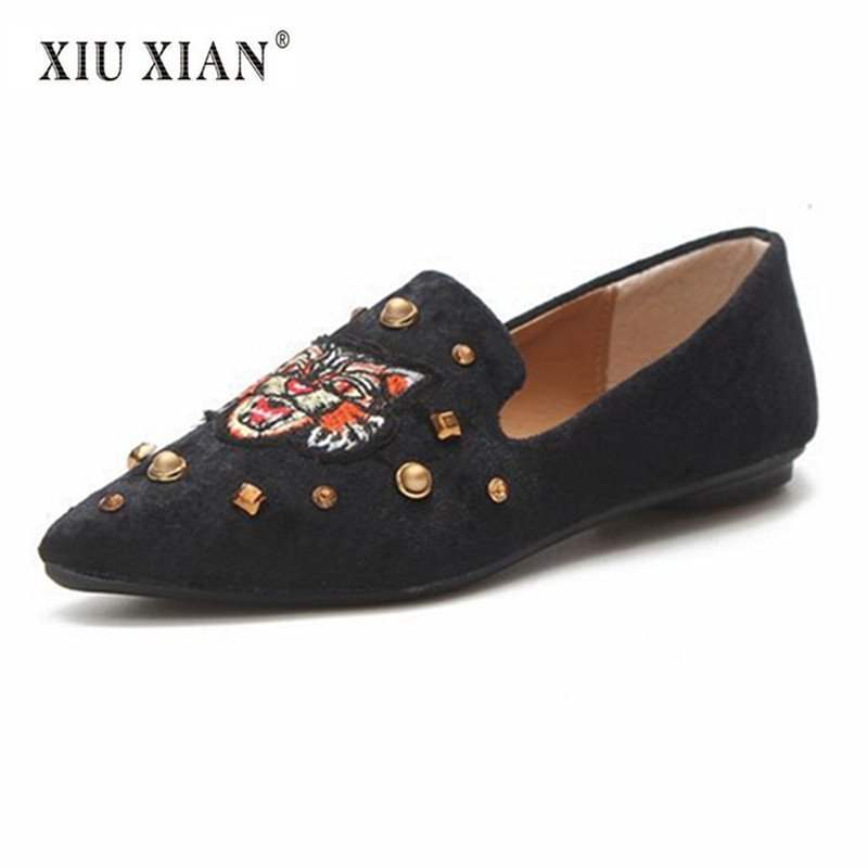 2018 Spring Summer Vintage Embroider Tiger Flats Shoes Women Pointed Toe Shallow Loafers New Fashion Rivets Velvet Leisure Shoes covibesco new arrival women flats shoes brand women shoes sexy pointed toe black red green spring summer casual loafers shoes