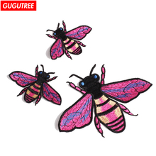 GUGUTREE embroidery patches animal bee badges embroidered appliques for denim jeans
