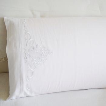 Biała poszewka na poduszkę tkanina bawełniana łóżko haftowana poduszka Slip 100 bawełna 45 #215 70 cm tanie i dobre opinie VANNXINEMVM Embroidered 100 Cotton Hotel Home 300TC Floral Eco-Friendly Non-Toxic