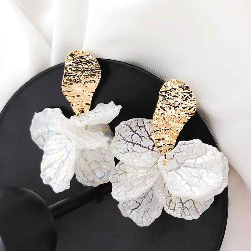 Korean White Shell Flower Petal Drop Earrings For Women 2019 New Statement pendientes Trendy Jewelry
