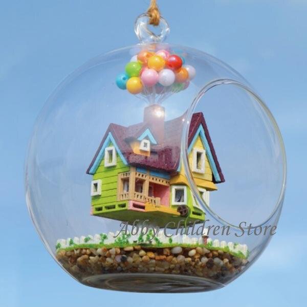 <font><b>Glass</b></font> <font><b>House</b></font> Model Flying Up Paradise Falls Woodren Miniature Furniture Toy Miniature <font><b>House</b></font> Cabin with Lamp DIY Toy For Children