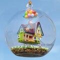 Muebles en miniatura modelo de la casa de vidrio volando paradise falls woodren juguete miniatura casa de cabina con lámpara diy juguete para los niños