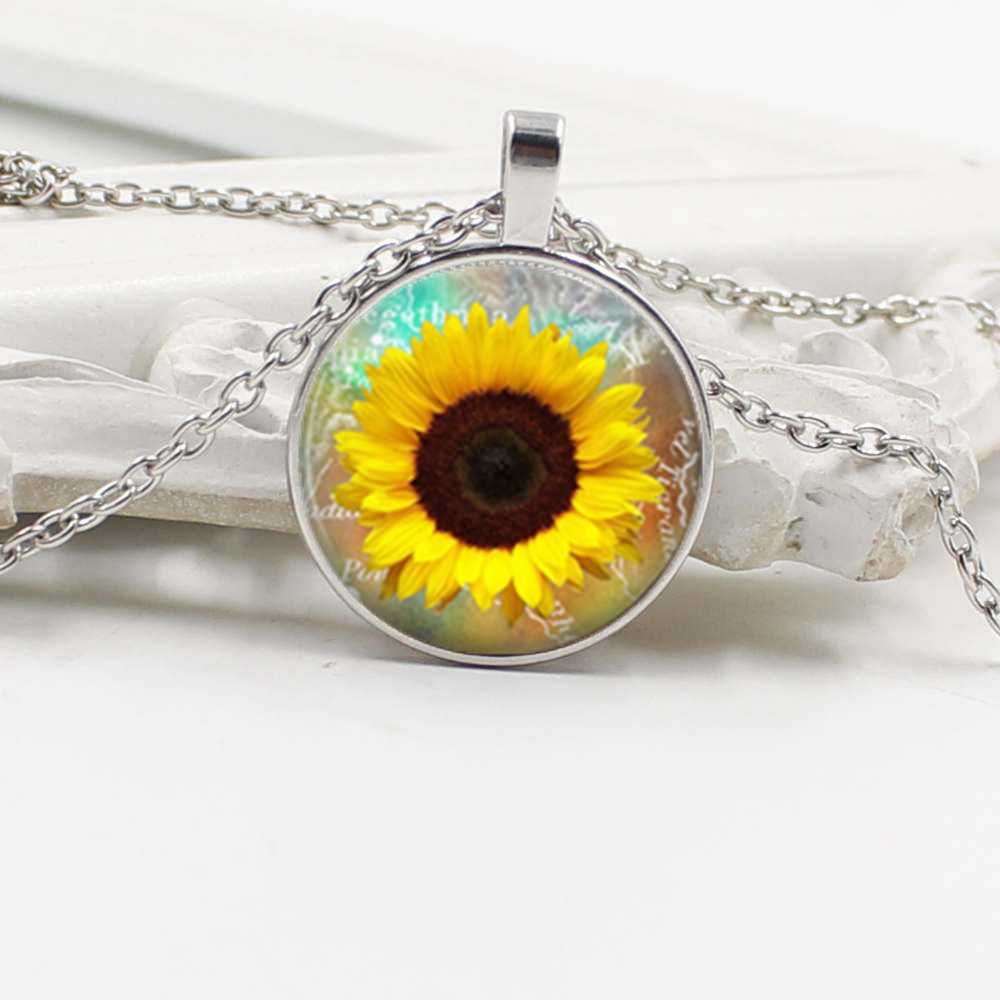 2019 new sunflower glass cabochon pendant necklace female wholesale fashion necklace best friend gift