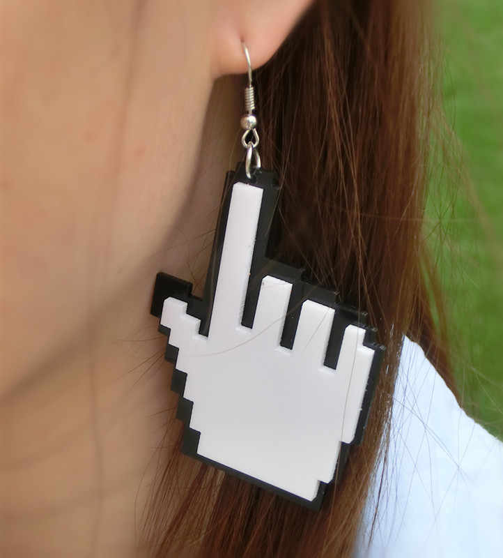 مجوهرات الأزياء اكسسوارات الأبيض والأسود الاكريليك الليزر قطع ماوس اليد على شكل المؤشر استرخى كبير مُثبت قلادة