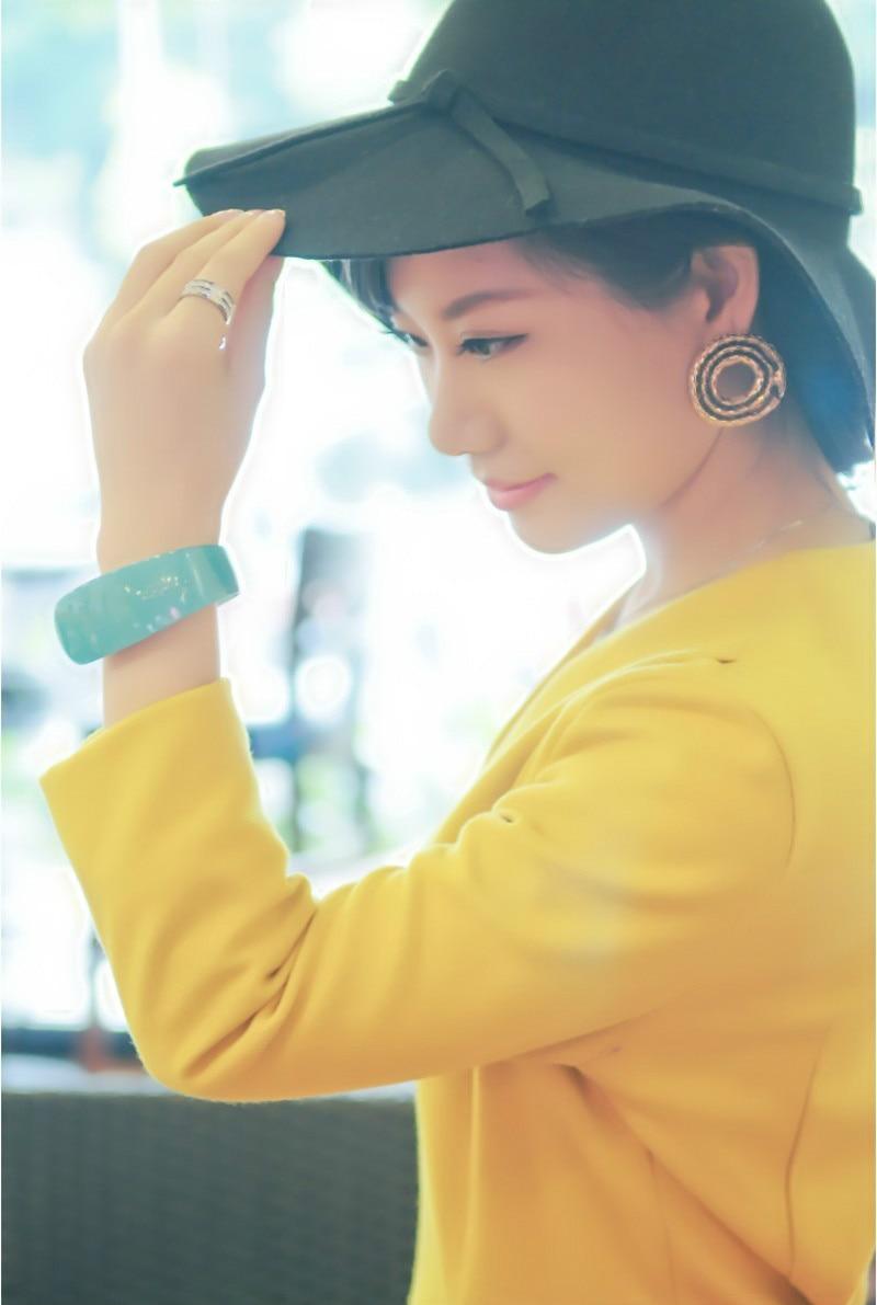 Мода 2017 леди подарок светодиодные часы, овальный красный свет дисплея женские наручные часы, творческий довольно модные цифровые часы брас...