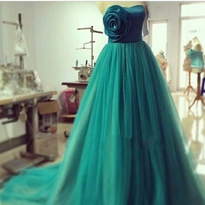 Vestido de noche color verde jade
