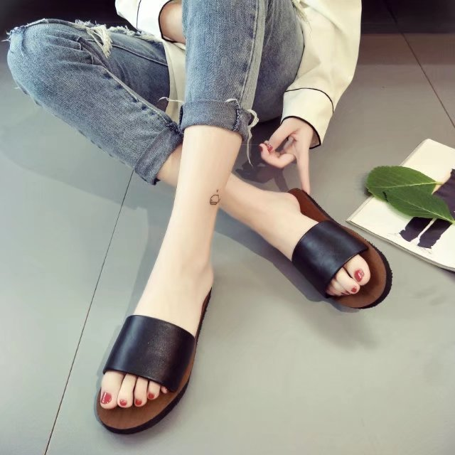 2107a36791214 Women Sandal 2018 New Fashion Slippers Platform Sandals Summer Flip Flops  Comfortable Peep Toe Flat Shoes K002-in Women s Sandals from Shoes on ...