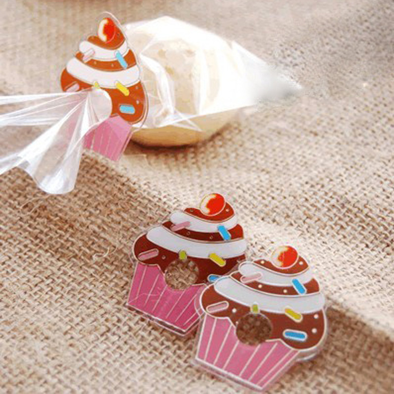 50pcs Lovely Cupcake Pet Tie for Gift Wrapping, Gift Packing Clip, Clover PVC Clear Tie Bag Clip Party Birthday Favor