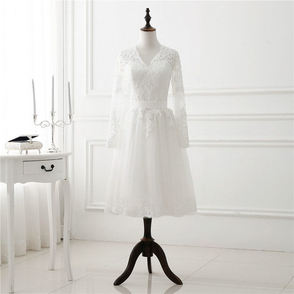 1905 m. Vestuvių balta trumpa vestuvių suknelė su ilgomis - Vestuvių suknelės