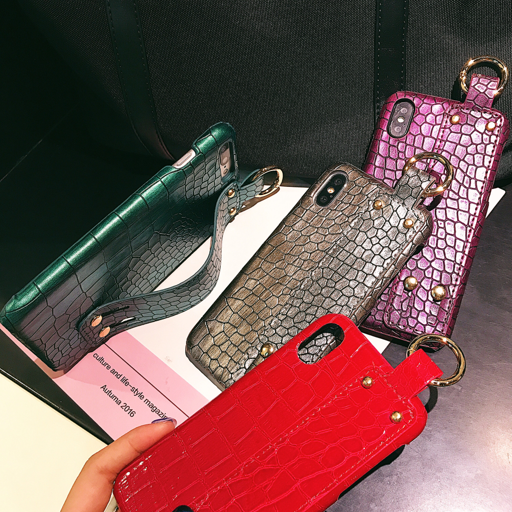 Wristband phone case For iPhone X XS Max XR Case Snake Crocodile Skin PC Leather 6 6s 7 8 Plus Retro Cover coque