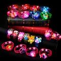 LED Glow Light-up de Juguete De Goma Del Reloj Del Cabrito Fluorescentes Handband Partido Intermitente Flash de Dibujos Animados de Halloween Pulsera Anillo de la Mano