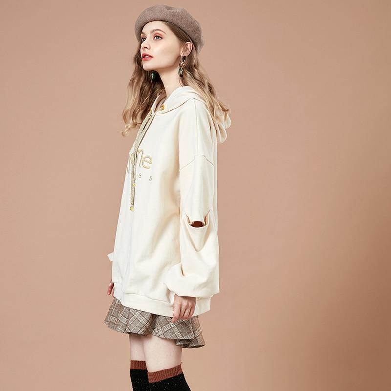ARTKA 2018 Autumn New Female Embroidered Sweatshirt Casual Long-sleeved Letter Women Medium Long Loose Hoodies VA10989Q