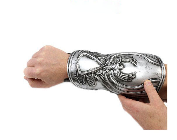 Back To Search Resultstoys & Hobbies Good 1pcs Hidden Blade Brotherhood Ezio Auditore Gauntlet Replica Cosplay Christmas Gift Toys Free Shipping