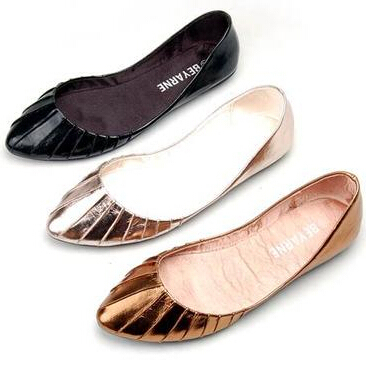 Plus size US9.5 european 40 41 women's spring flat heel shoes pointed toe, black gold brown soft Pu PR126 casual pleated flats