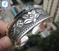 Comercio al por mayor 10 UNIDS ^ ^ Caliente Moda Piscis Totem Brazalete Pulsera Tibetana Hermosa Tibet Silver Bangle Nueva