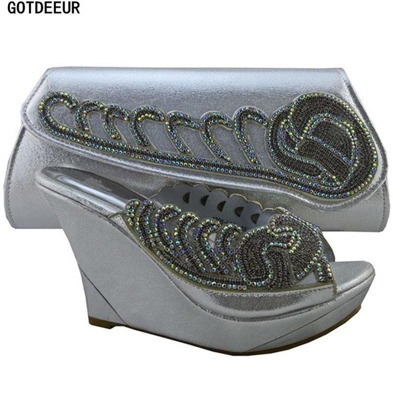 871a9927e16e2 Ensemble Le Femmes Arrivée Et Mariage Sacs Sac Dans Décoré Partie Avec  Chaussures Strass Les Pour ...