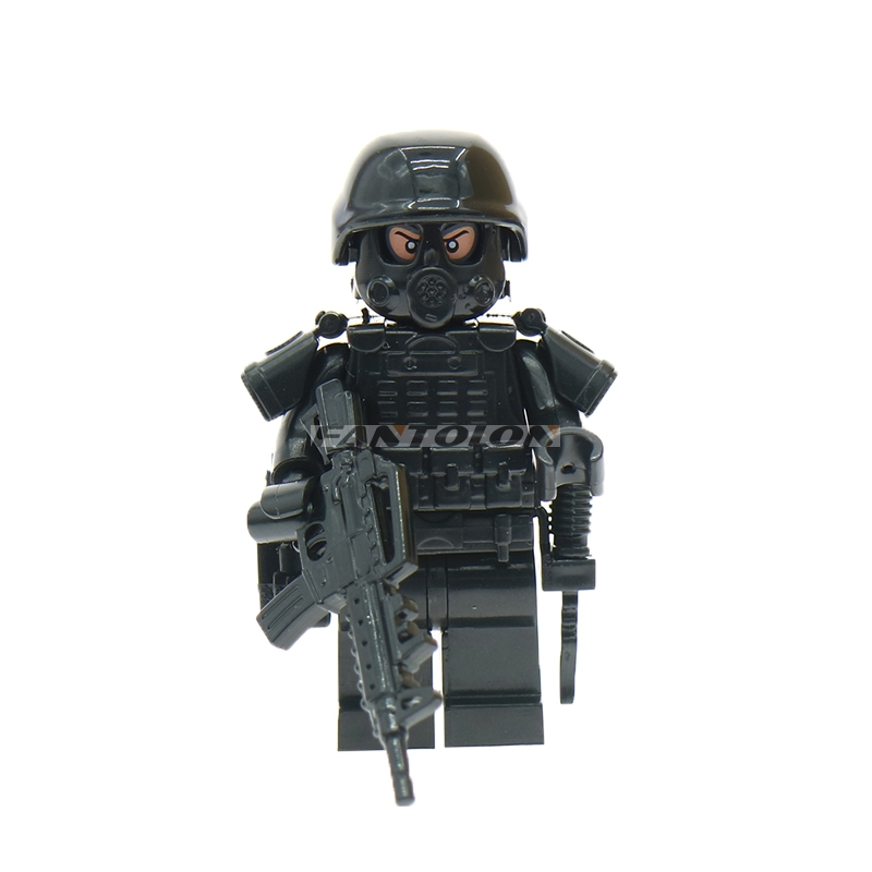 Swat Police Figures With Weapon Guns Gas Mask Accessories Building