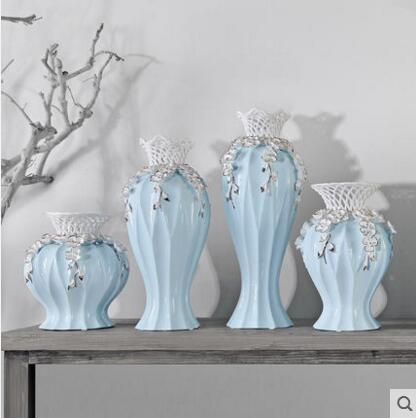 Simple modern fashion hollow vase.Simple modern fashion hollow vase.