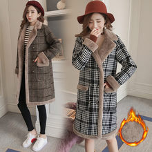 New Women's Wool Coat Winter 2018 Fashion Elrgant Plaid Jacket Thicken Plus Velvet Warm Tops Outerwear Long Woolen Coat Female(China)