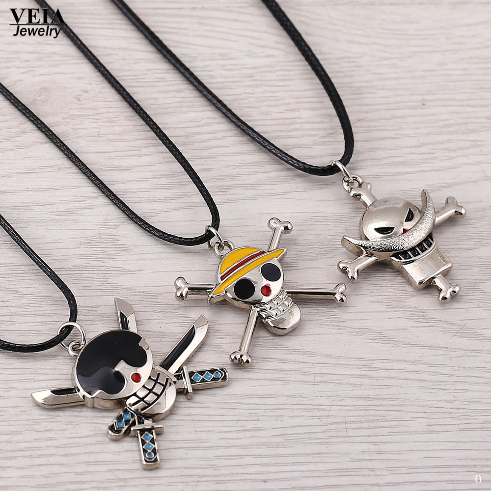 be9a19b39547 Hot anime joyería moda una pieza collares esqueleto aleación cadena alta  calidad 3 estilos Collares para hombres en Collares pendientes de Joyería y  ...